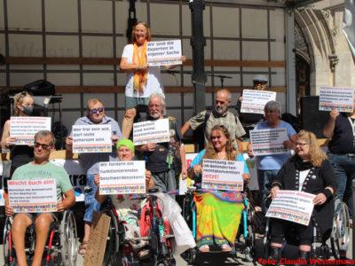 VIDEO Ankündigung Randgruppenkrawall Behindertenprotest